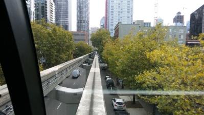 monorail01